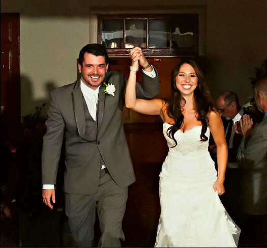 Real Bride: Alyssa Lefkowitz in a 2072 Casablanca gown