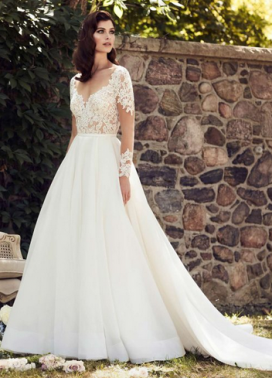 Classic Wedding Dress: Paloma Blanca
