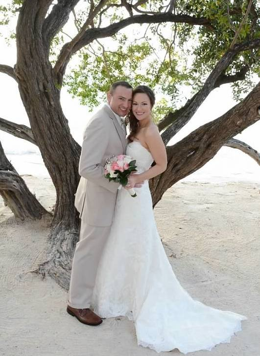Real Bride: Lindsay Wall - Casablanca wedding dress