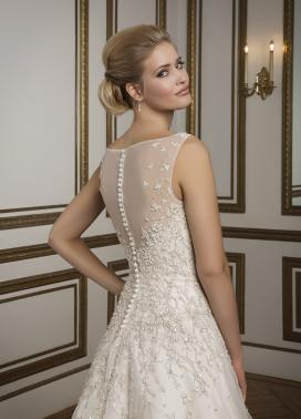 Wedding Dresses in Bucks County: Justin Alexander