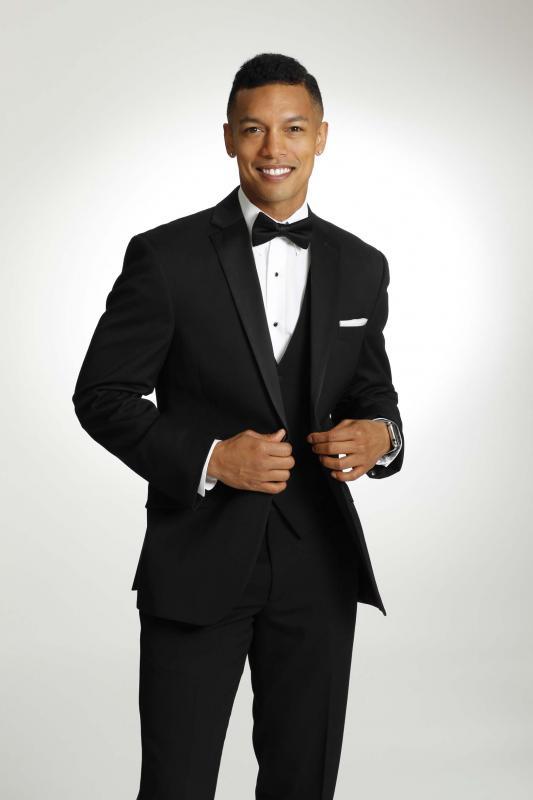 Groom Tuxedo Suit Rental - Warrington PA