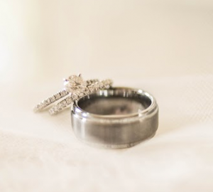 Allison's ring includes the diamond from her Grandmother's engagement ring. Photo by Jennifer Baumann Photography