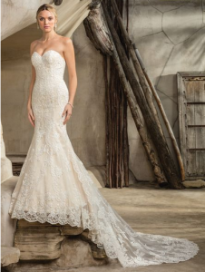 "df98ab727332 ""The delicate lace is very classy and timeless"