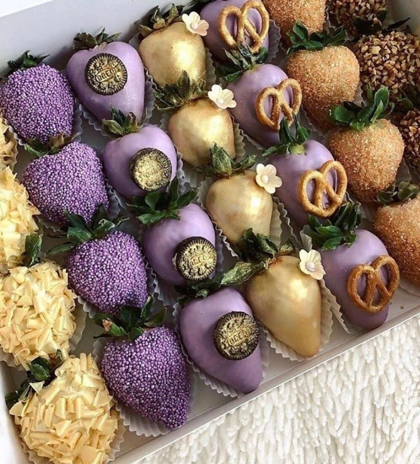 lavender and gold chocolate covered strawberries